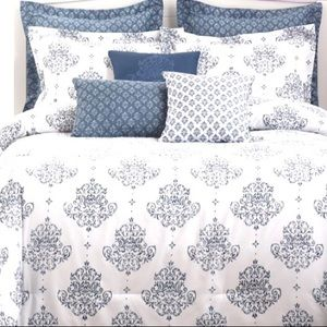 Brand new King 8 pieces comforter set